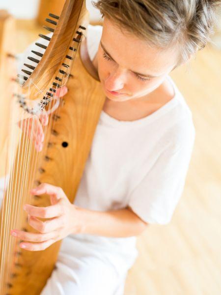 Anne mit der Harfe